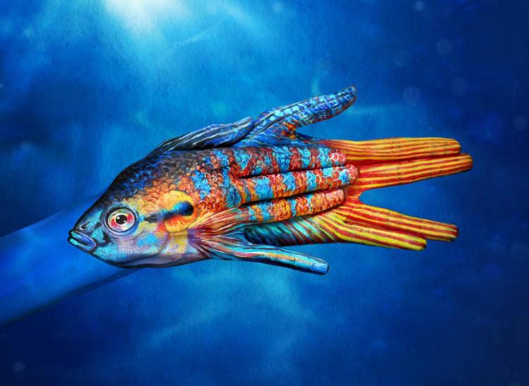 Hand-Painting-Art-by-Guido-Daniele-fish